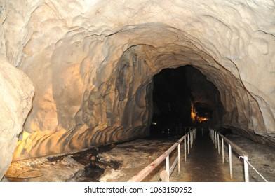 Gua Terang Bulan | Caves at Pahang Malaysia