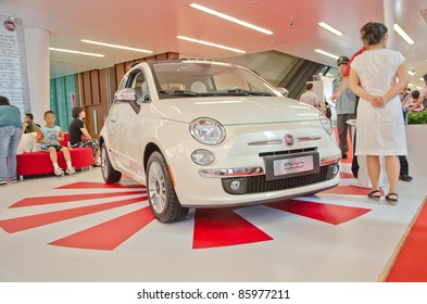 GUANGZHOU, CHINA - OCT 02: FIAT 500 car on display at the Guangzhou daily Baiyun international automobile exhibition. on October 02, 2011 in Guangzhou China.