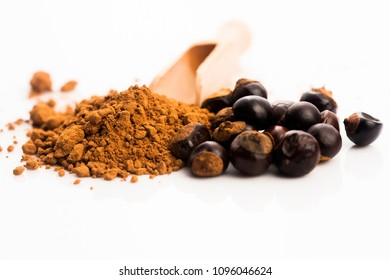 guarana seeds with powder