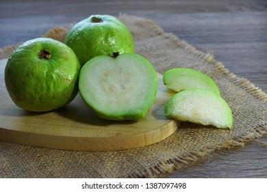 Guava Görseller, Stok Fotoğraflar ve Vektörler   Shutterstock