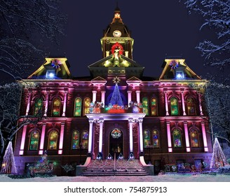 The Guernsey county courthouse in Cambridge Ohio at Christmas time.