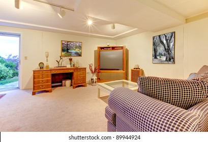 Guest bedroom or home office in the basement.