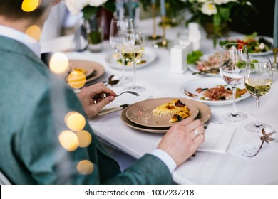 Guest eats on the event