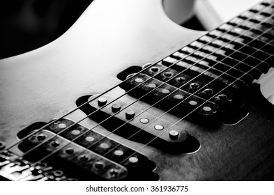 Guitar vintage black and white