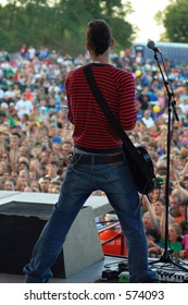 guitarist and crowd