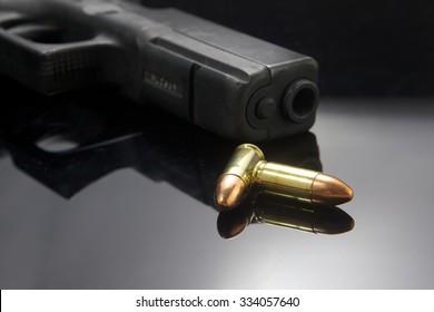 Gun pistol