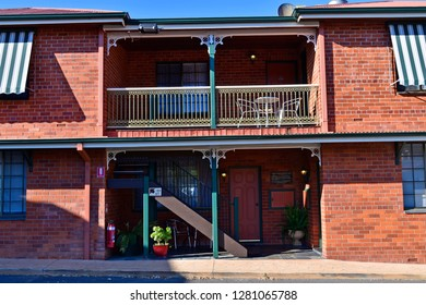GUNDAGAI, NSW, AUSTRALIA-NOVEMBER 02: Poets Recall Motel in historic style style, the village is a preferred stopover for the route between Sydney and Melbourne, November 2, 2017, Gundagai, Australia