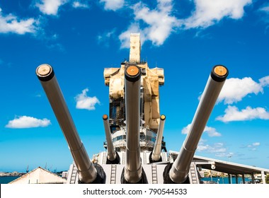 Guns on the main deck of USS Missouri Museum, Pearl Harbour, Hawaii