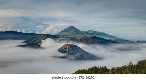 Gunung Bromo, Jawa, Indonesia - Shutterstock ID 272456270