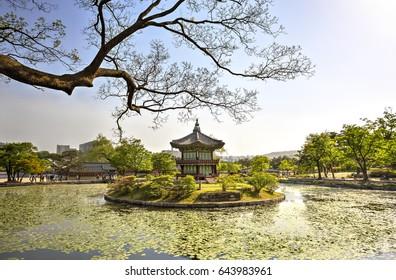 The Gyeonghoeru Pavilion inside the Gyeongbok Palace (Gyeongbokgung) in Seoul, South Korea