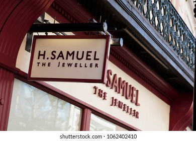 H Samuel store front, Lincoln, Lincolnshire, UK - 5th April 2018