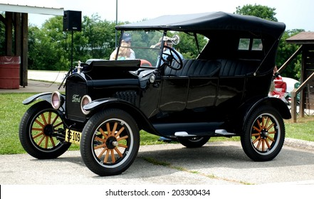 HAGERSTOWN, MD - JUNE 29, 2014: Image of a Ford Model T, proceeds from the car show benefit the newspapers in education program.