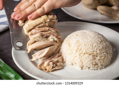 Hainanese chicken rice, sliced Hainan, Steamed capon in flavored rice