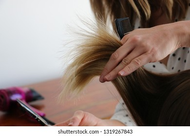 hairstyle at home on blond woman