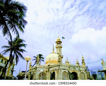 Haji ali dargah with blue sky afternoon click