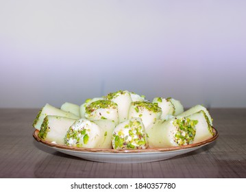 halawat aljabn,Delicious Syrian sweets,The sweetness of cheese