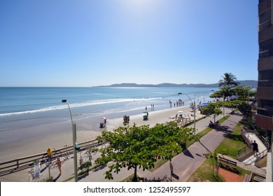 half beach itapema, beach promenade boardwalk, santa catarina summer, beaches coast of brazil