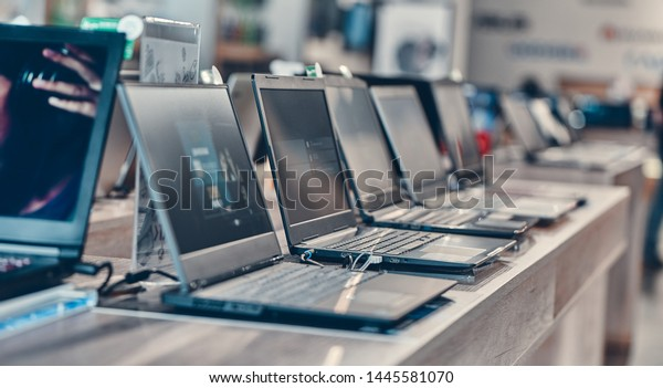 Hall shopping center. Shop digital equipment and electronics. Sale of laptops.