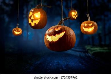 Halloween-Design mit Kürbissen. Mischmedien
