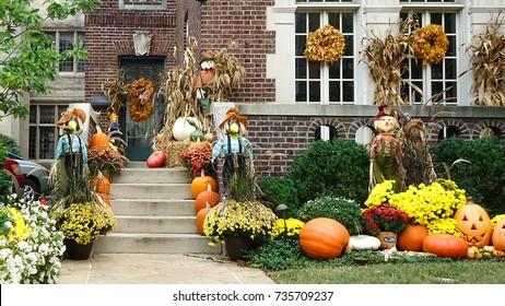 Halloween garden house