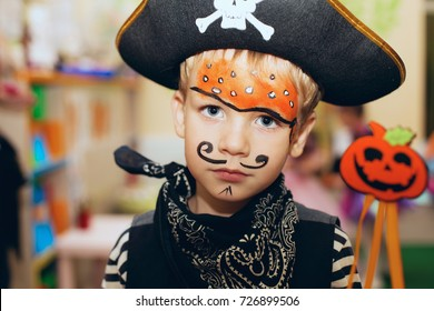 Halloween Makeup For Kids Boy.Imagenes Fotos De Stock Y Vectores Sobre Halloween Kids