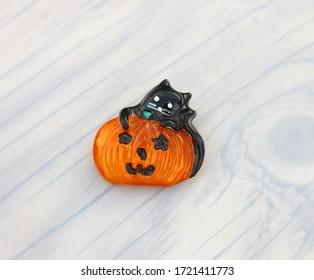 Halloween pumpkin orange brooch pin