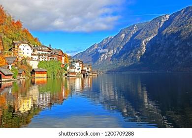 HALLSTATT-AUSTRIA-OCTOBER 30 : View of the lake on autumn season leaf in the town of Hallstatt, October 30, 2016, Hallstatt Province, Austria