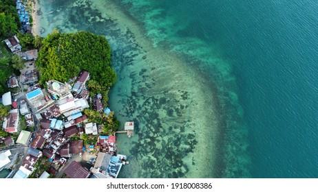 Hamadi, Jayapura, Papua, Indonesia: suasana sejuk di hamadi tanjung yang saat ini merupakan  tempat padat penduduk di kota jayapura (15 Jan 2021)