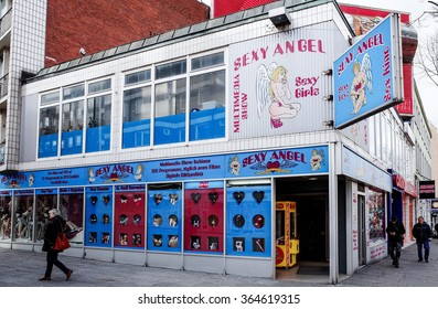 HAMBURG, GERMANY - APRIL 3 : red-light district brothels and strip clubs at the Reeperbahn on April 3, 2015, in Hamburg, Germany.