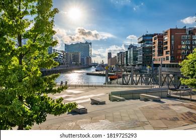 Hamburg, Deutschland. Die Magellan-Terrassen (Deutsch: Magellan-Terassen) im Hafenviertel, neben dem Traditionshafen (Deutsch: Traditionsschiffhafen oder Sandtorhafen).