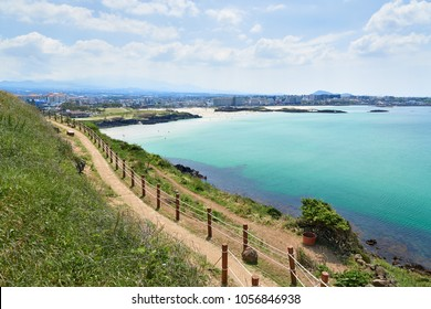 Hamdeok Beach is famous for its clean and emerald-blue water. And Seoubong is a peak located in the vicinity of Hamdeok beach and part of Olle trail course
