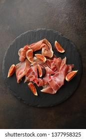 Hamon and fresh figs slice