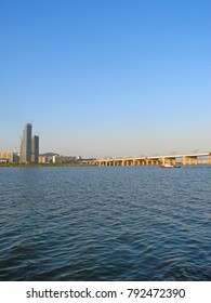 Han River,bridge and skycrapper at Seoul,South Korea.