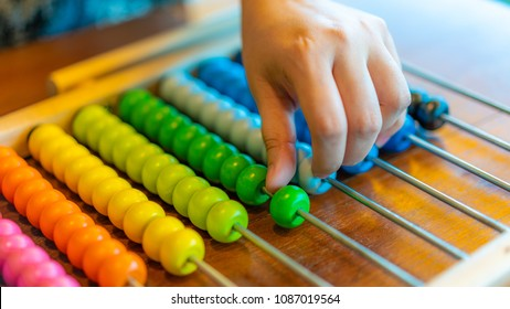 Hand Counts On Abacus
