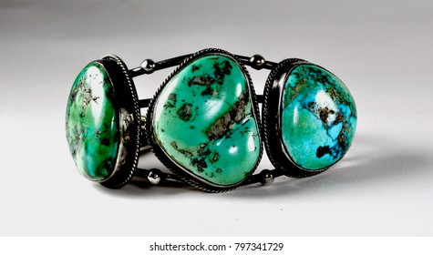 Hand crafted native American turquoise bracelet