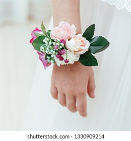 Hand dressing with flowers