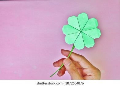 HAnd hold Flowers Origami Paper Craft