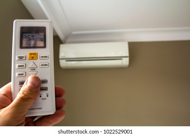 Hand holdind control switch of home air conditioner