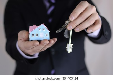 hand house agent