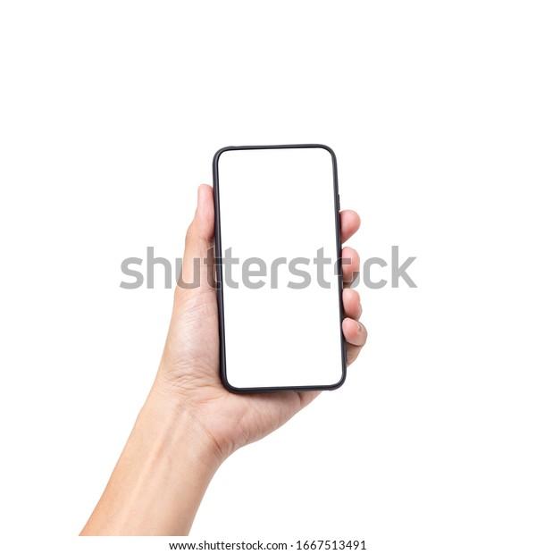 Hand, die ein Mobiltelefon mit weißem Bildschirm hält einzeln auf weißem Hintergrund mit Beschneidungspfad