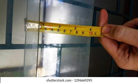 Inches 4 Inch vs.