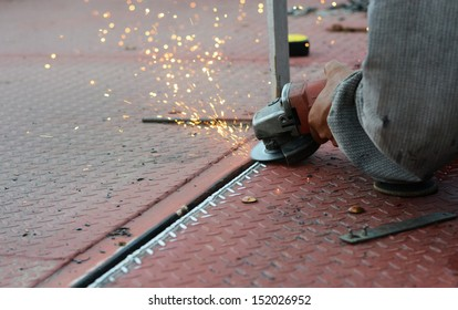 hand metal sawing