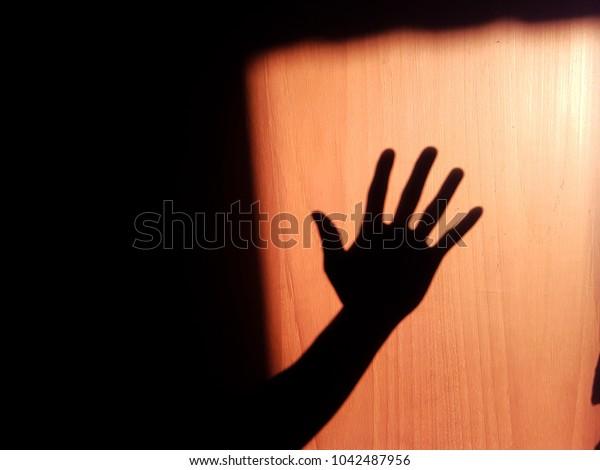 hand off shadow