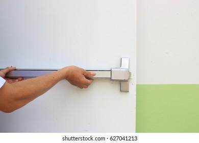 Hand open fire door