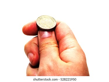 Hand prepare to throw a coin