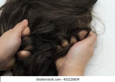 hand pull hair