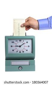 Hand, die eine Karte in der Uhr auf weißem Hintergrund