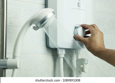 Hand regulate the temperature of hot water in electric water heater