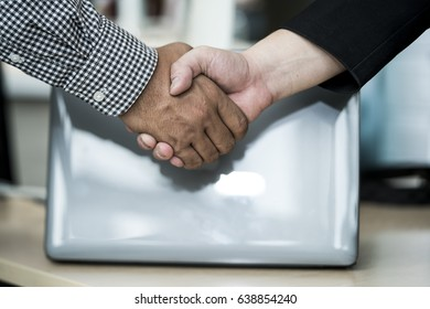 Hand shake with the concept of promise./ Hand shake.