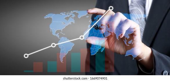 Hand berühren Sie eine Grafik des Finanzindikators und des Diagramms zur Analyse der Marktwirtschaft